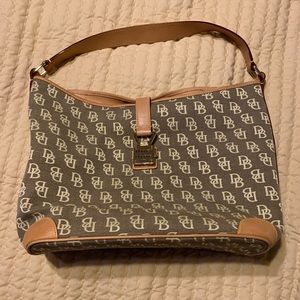 Dooney & Bourne hand bag